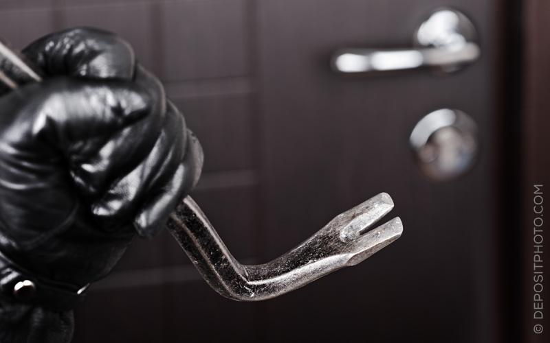"""Einbruchsdiebstahl – Zahlt die Haushaltsversicherung, wenn eine Tür mit Knauf bloß """"ins Schloss gefallen"""" ist?"""